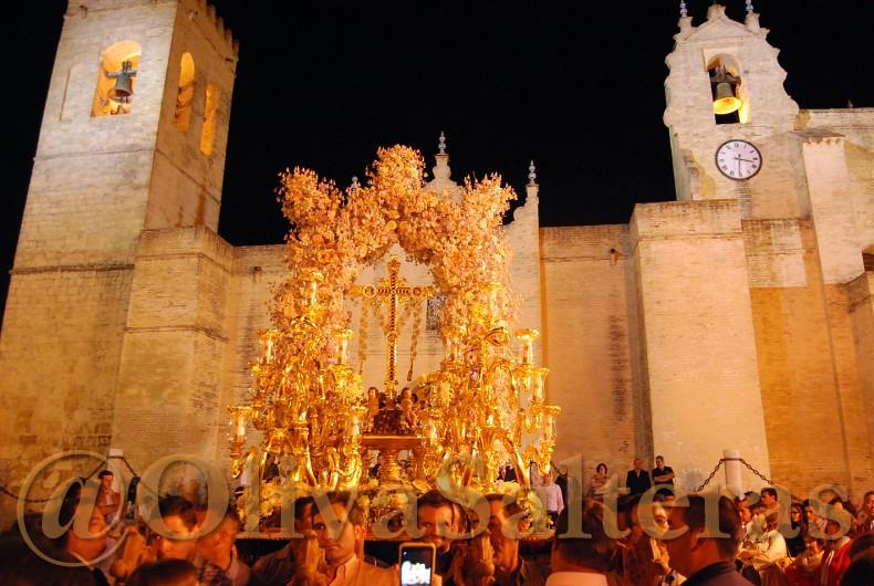 La Oliva de Salteras tras la Santa Cruz de Villalba del Alcor